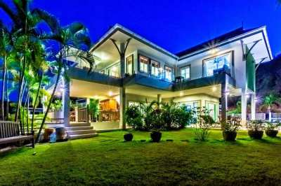 HOLIDAY HOME: 3 Bedroom Villa With Amazing Views!
