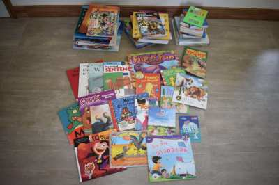 Learning to read English and Thai - Kids starter library
