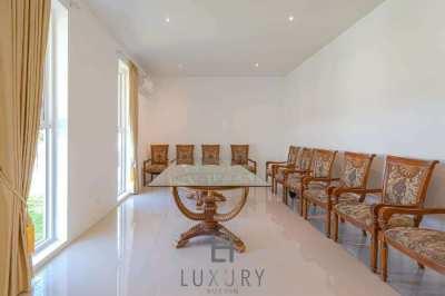 Large 6 Bedroom Pool Villa on Large Land Plot
