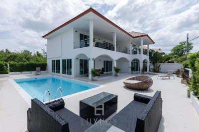 Modern 4 Bedroom Pool Villa In Great Location