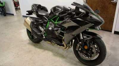 Kawasaki Ninja H2 Available for sale whatsapp +971557337543