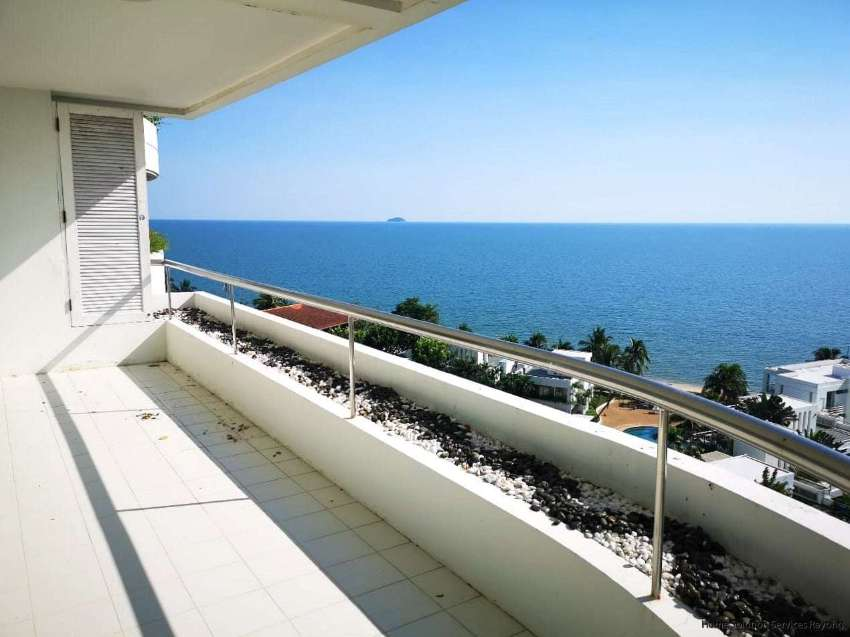 Amazing 2 bedroom condo on Chakpong Beach! New Super Price!
