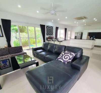 Luxury 5 Bedroom Pool Villa on Large Land Plot