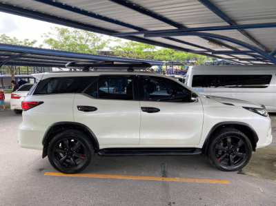 TOYOTA FORTUNER TRD 2016 2.8 2WD AT