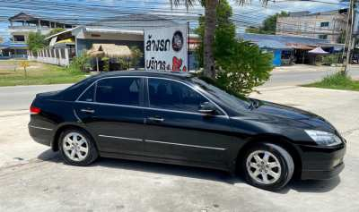 Honda Accord black Year 2006 3000cc with full Option only 2.Hands