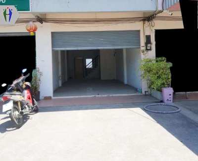 Commercial buildings Three-storey 9,000 baht For rent North Pattaya.