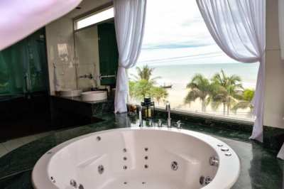 2 Bedroom Luxury Beachfront condo Chaam- Huahin for Sale