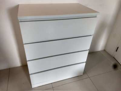 Chest of drawers (80X100 cm)