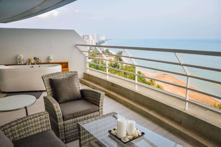 Seaview Beachfront condo for long term rent in Chaam