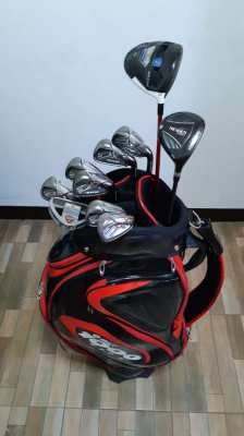 Complete golf club set (Taylormade)