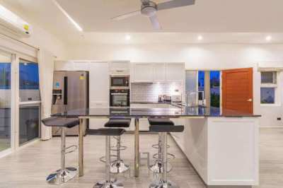HOLIDAY HOME: Tropical 3 Bedroom Pool Villa!