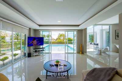 HOLIDAY HOME: Luxury 4 Bedroom Pool Villa with Stunning Views!