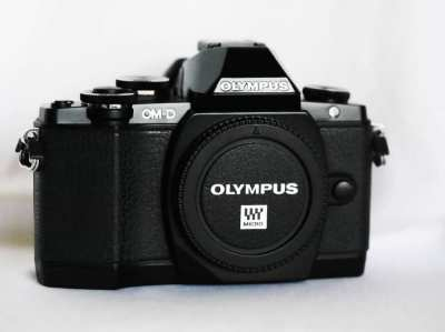 OLYMPUS OM-D E-M10 Black Body