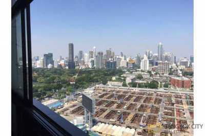 Lumpini Park View Condo Spacious and Very High Floor 1 Bedroom Unit