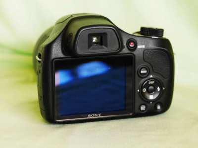 Sony H400, 63x Optical Zoom 24.5-1550mm in Box