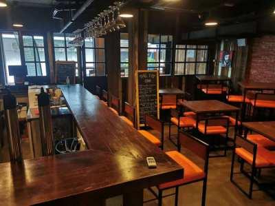 Hotel & Pub near Asoke for Leasehold