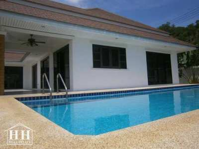 House for rent 3 bedroom 2 bathroom with swimming pool,near the beach