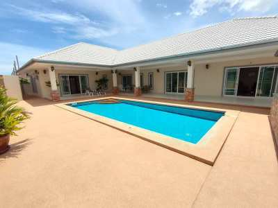 Furnished Cha-am Town Center Executive 3 BR 3 Bath Pool Villa