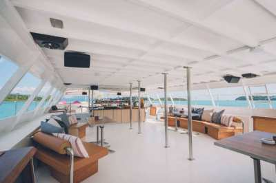 Exceptional Boat club with sound system for rent in Koh Samui