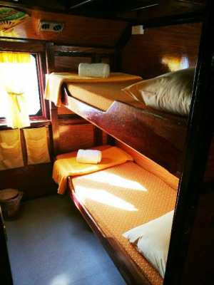 Traditionell Thai-wooden Boat for rent