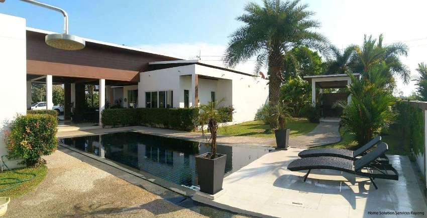 Very attractive 4 bedroom pool villa behind Mae Phim beach in Rayong