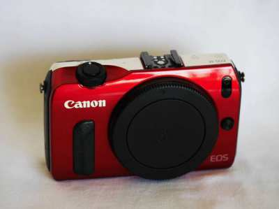 Canon EOS M Limited Edition Red-White Body