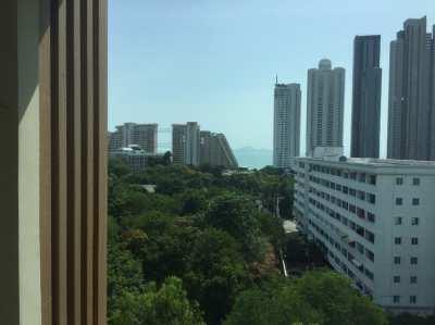 Top floor sea view condo