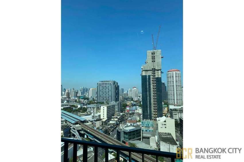 Siri at Sukhumvit Ultra Luxury Condo Renovated 1 Bedroom Unit