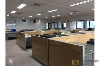 Prime Location High Floor Spacious Office in Ekkamai for Rent/Sale