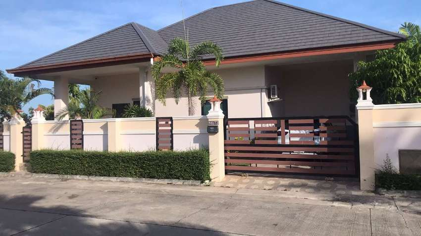 long term rental charming house with beautiful private pool