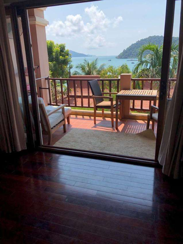 Wonderful Thai style Suite on Koh Chang at half price. Freehold!