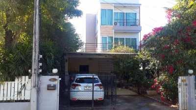 Udonthani, large 3 storey home