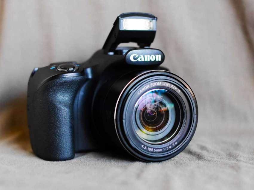 Canon SX520 HS Camera (42x optical zoom 24-1008mm) PowerShot SX520
