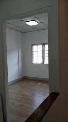 ขายทาวน์เฮ้าส์ 3 ชั้น พื้นที่16 ตารางวา 4 ห้องนอน 3 ห้องน้ำ 1 ห้องครัว