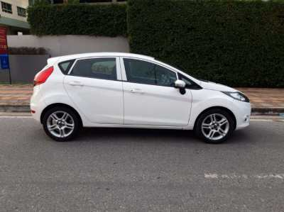Beautiful Ford Fiesta ( ONLY 90.000 km  )
