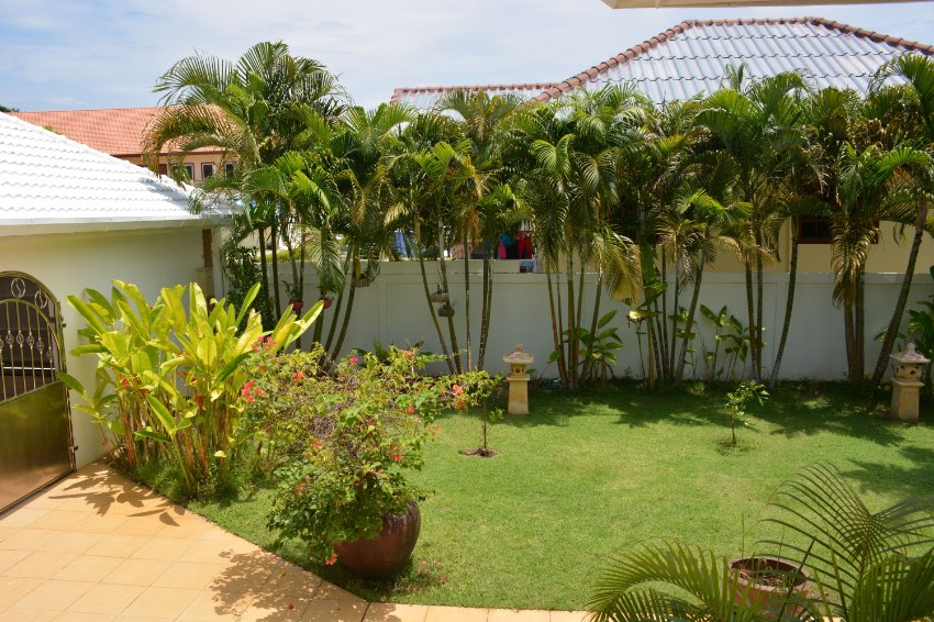 HOT DEAL !!   ATYPICAL VILLA FOR SALE AT PRICE REDUCED !
