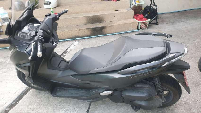 Honda Forza black 300cc