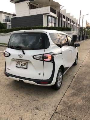 Toyota Sienta 2018 1.5L
