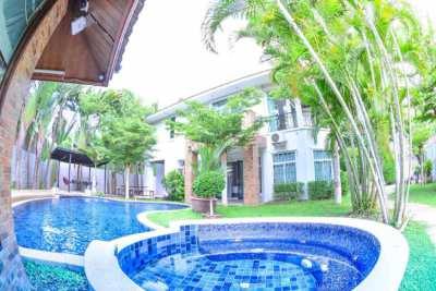 8BR   Beach  villa with private pool