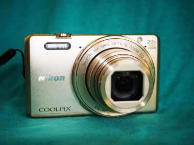 Nikon Coolpix S7000 Wi-Fi, NFC 20x Optical Zoom Camera Gold, 25-500mm