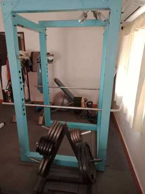POWER RACK /WEIGHT PLATES (108 kg)