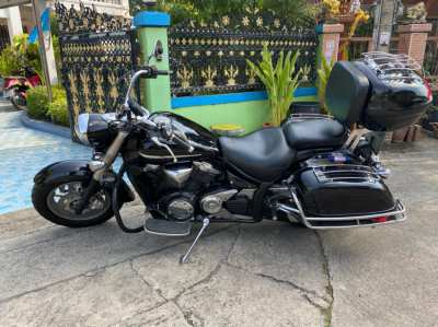 2010 Yamaha V twin 1304 cc -  Midnight Star XVS1300A