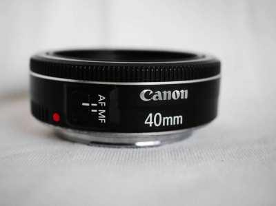 Canon EF 40mm f2.8 STM Lens (Black)