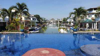 #3154  SPACIOUS ATTACHED 3 BED HOUSE. PRIVATE MOORING. SCOPE FOR SOME