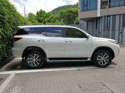 Toyota Fortuner 2,400cc Diesel 2019 for Rent