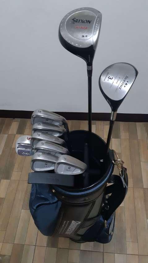 golf club set with bag