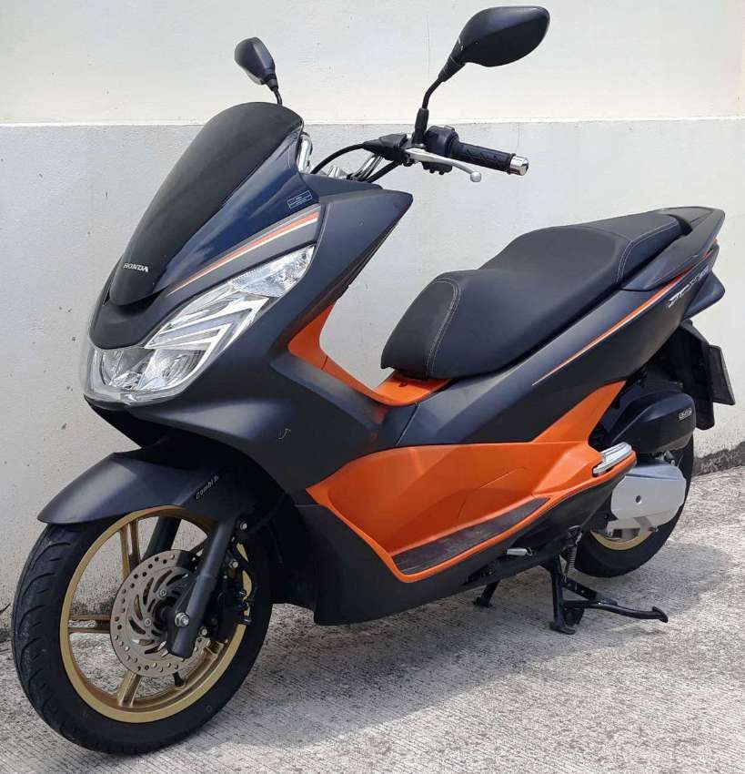 02/2017 Honda PCX-150 keyless 49.900 ฿ Finance by shop