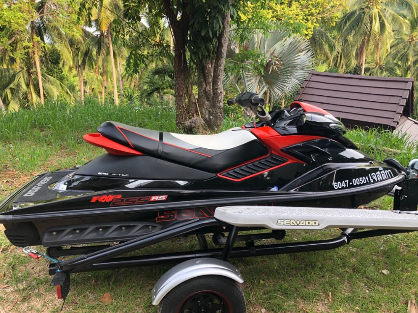 Seadoo RXP 255 2010, 52 hours with trailer and new cover