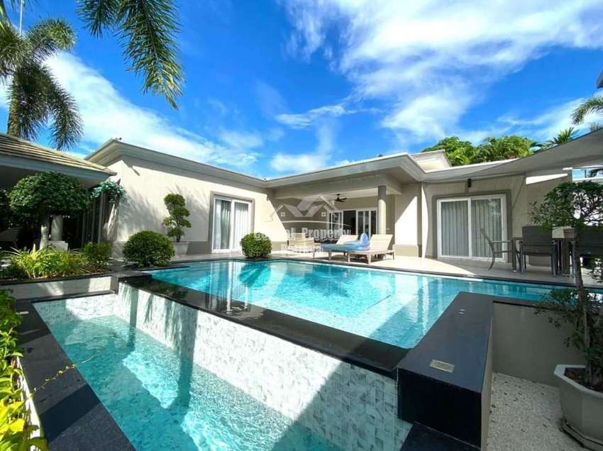 Luxury Pool Villa for Sale at Siam Royal View