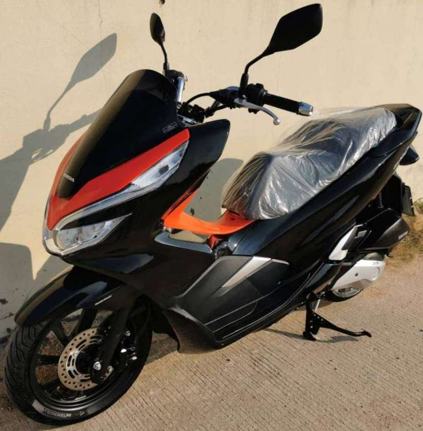 02/2020 (model 2020) Honda PCX-150 ONLY 360km 74.900 ฿ Finance by shop